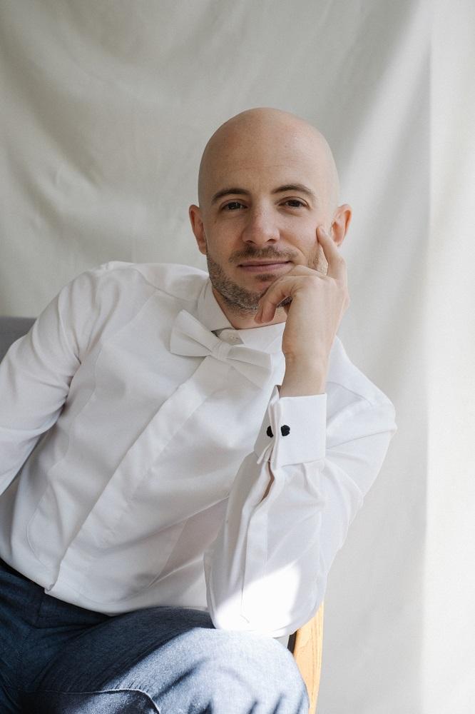 Alberto Martínez baritone